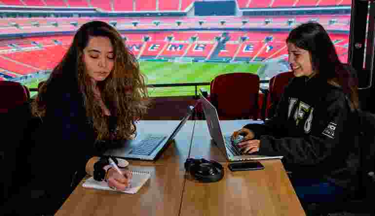 Facilities Wembley female-students-studying-in-wembley